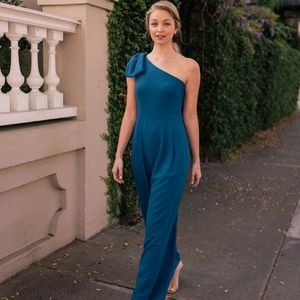 New GAL MEETS GLAM Bow One-Shoulder Jumpsuit Maxi